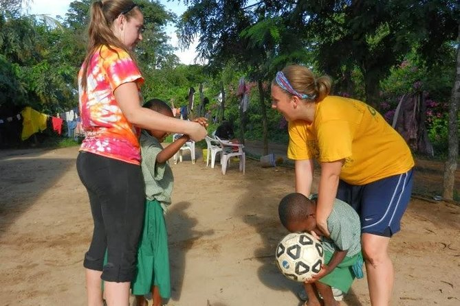 14-Day Volunteer Orphanage Masai Mara And Lake Nakuru Safari from Nairobi