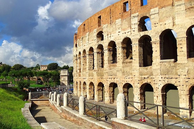 ROME: Colosseum very fast access and 24 Hours Hop-on Hop-Off bus