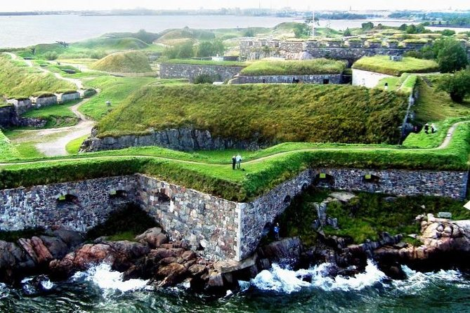 Private Helsinki sightseeing and Suomenlinna fortress by VIP car and ferry