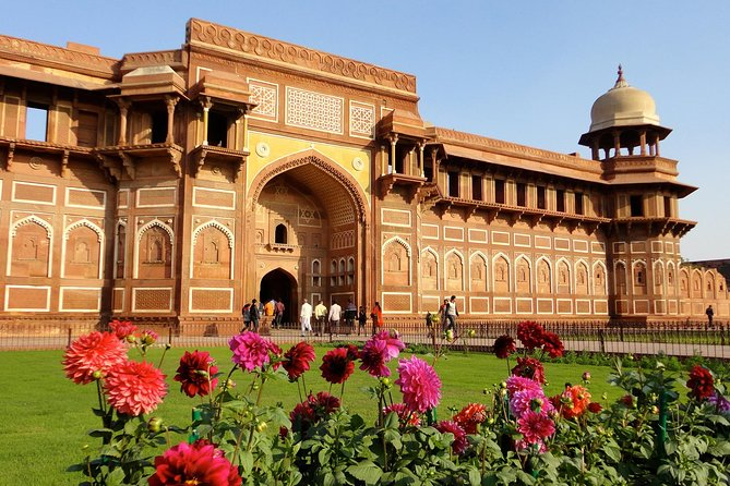 Luxury Taj Mahal Tour from Delhi by Super-Fast Train in Executive Class
