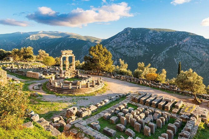 Mystic Delphi in a Full Day Private Tour