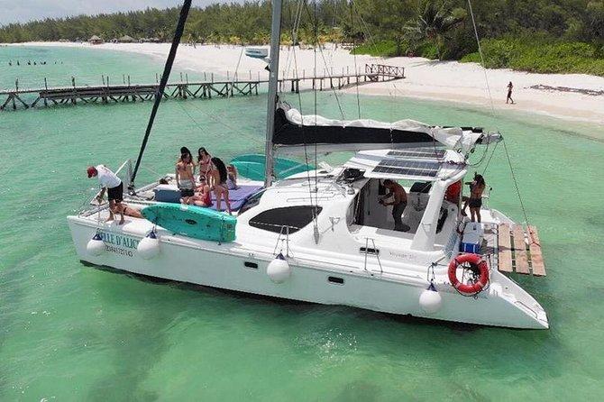 Catamaran Sailing Tour to Passion Island