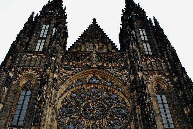 Complete tour of Prague Castle with an Italian guide - admissions included