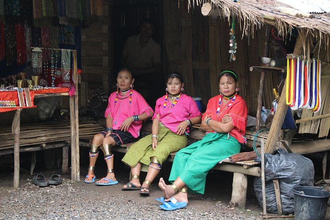 "Private ""What a Gorgeous Nature tour!"" Hill tribe village + Chiang Dao cave photo 11"