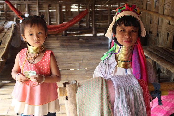 "Private ""What a Gorgeous Nature tour!"" Hill tribe village + Chiang Dao cave photo 9"