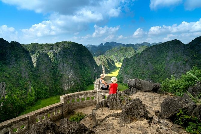 Luxury Hoa Lu Temples - Mua Cave - Tam Coc Boating - Cycling