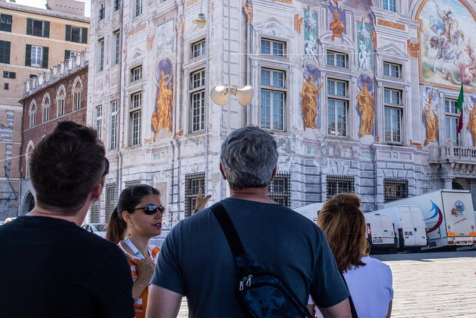 Genoa tour by taxi and on foot