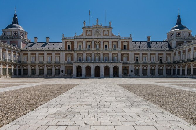 Guided Tour with Preferential Access to the Royal Palace of Madrid photo 2