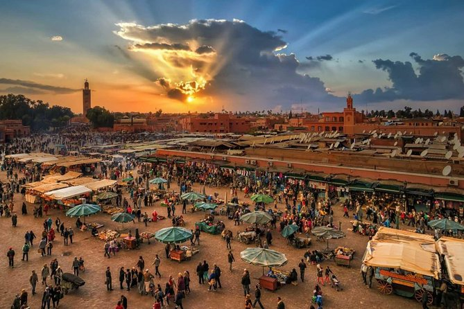 Discover the medina of Marrakech with a local guide 1D photo 1