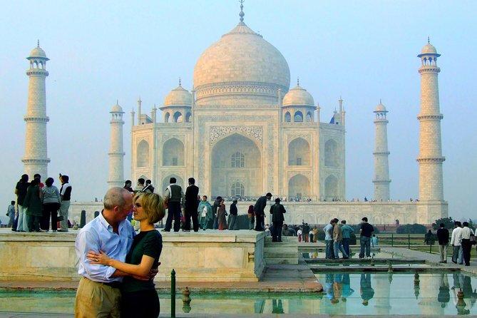 Private Tour: Taj Mahal Tour from Goa with Fight