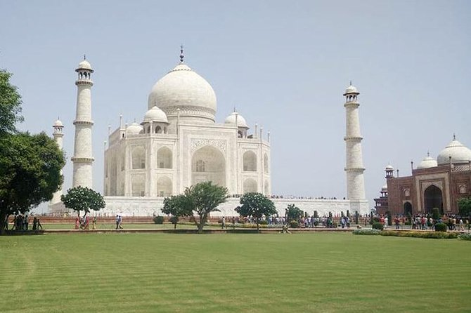 Same Day Agra Tour By Train ( Gatimaan Express )