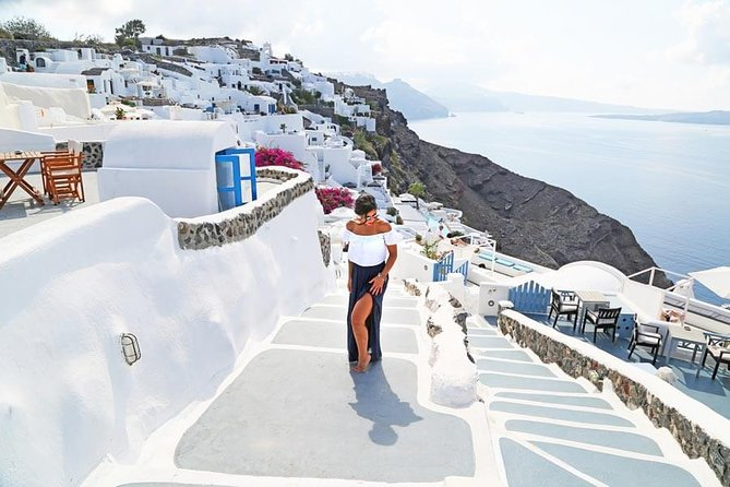 Private Photo Session with a Local Photographer in Santorini