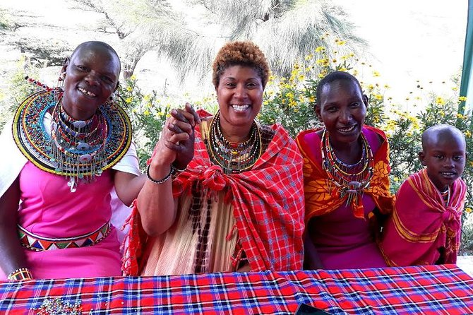 Nairobi Day Tour-Beading with Maasais