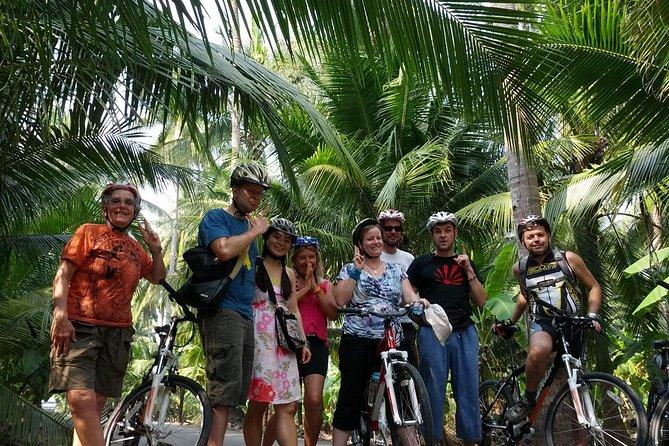 Tour à vélo à la campagne, y compris marchés flottants et balade sur les canaux
