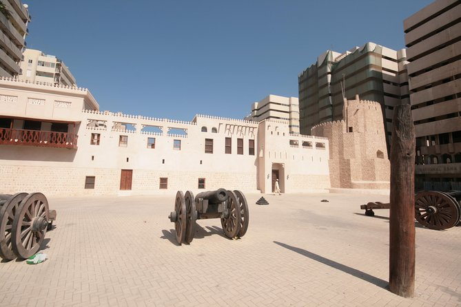 Guided Arts Heritage and Culture Walking Tour av Sharjah