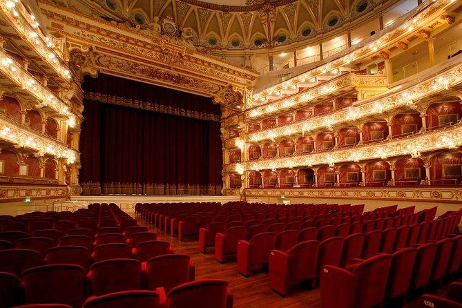 Opera ved Teatro Petruzzelli med Bari Walking Tour og italiensk aperitif