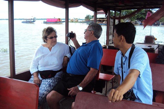 Excursão de grupo pequeno a vila flutuante Tonle Sap de meio dia de Siem Reap