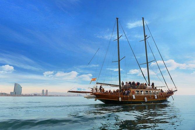 Crucero en barco de madera en Barcelona