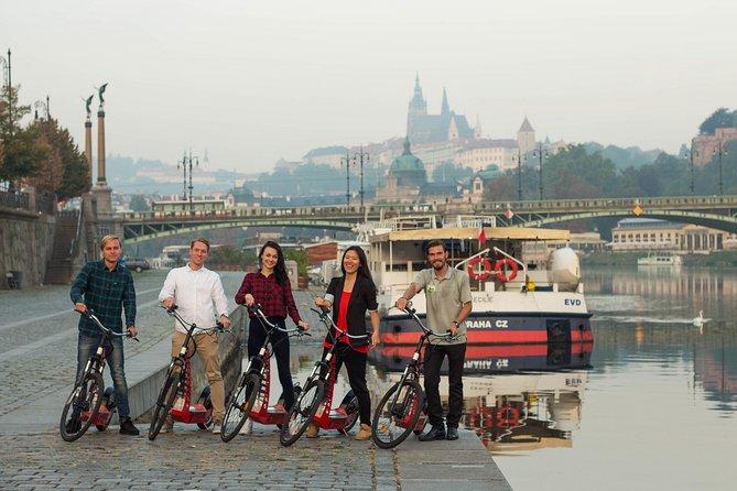 Tour de 3 horas por la ciudad en bicicleta con el Museo de cera Grévin