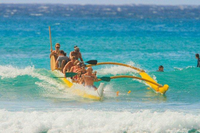 Excursion de 2 heures avec balade en canot Outrigger et leçon de surf à Honolulu