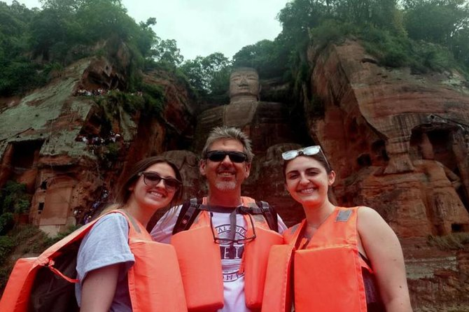Chengdu Giant Panda & Leshan Giant Buddha Private Day Tour (No shopping steps)