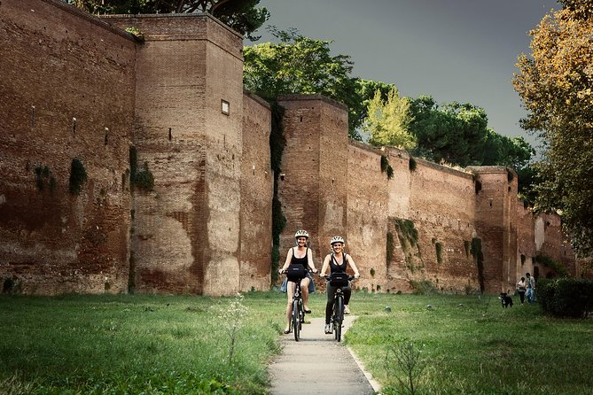Unusual Bike Tour of Rome (with optional Electric-assist bicycle)