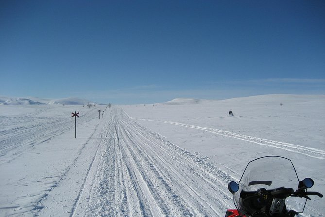 5-Day Snowmobile Expedition in Swedish Lapland
