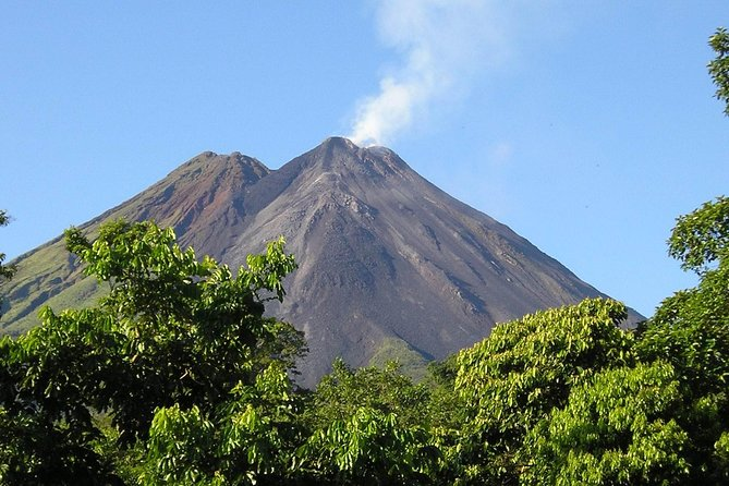 Private Tour to the Arenal Volcano and The Springs Thermal Pools photo 4