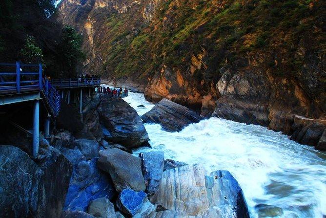 - Lijiang, CHINA