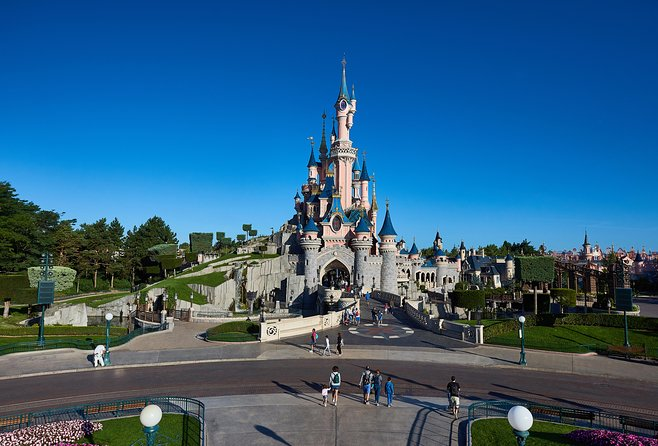 Disneyland Paris 1 or 2 Parks Day Trip with Hotel Pick-Up from Paris photo 7