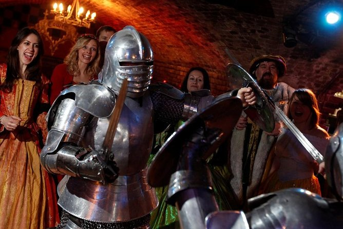 Explore London & Feast At The Famous Medieval Banquet