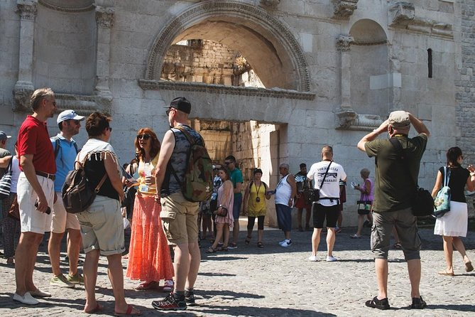 Split Super Saver: Diocletian's Palace Walking Tour plus Plitvice Lakes Day Trip