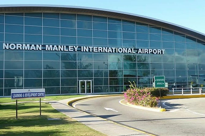 Runaway Bay Hotels Private Roundtrip Airport Transfer from Kingston Airport(KIN)