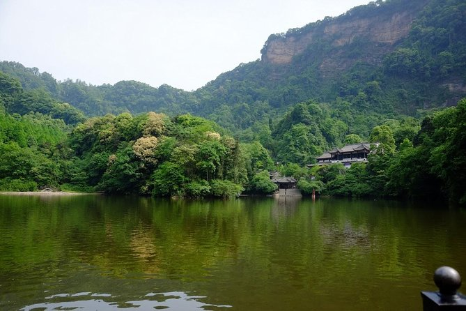 Dujiangyan Irrigation and Mt.Qingcheng 1 day tour (all inclusive)
