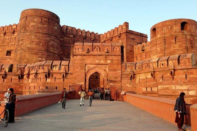 Taj Mahal Sunrise and Agra Fort Tour From Delhi By Car