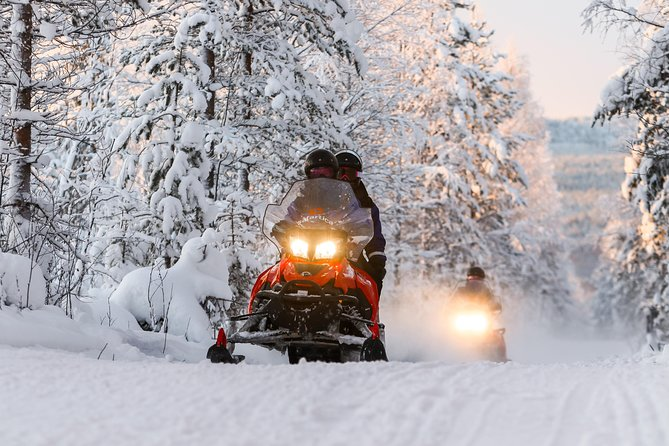 Snowmobiling Quick Spin - 2 h snowmobile experience in Rovaniemi