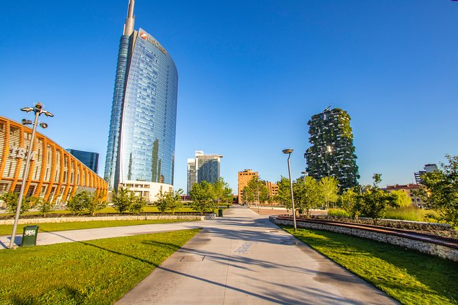 Discover Milan in 90 minutes with a Local