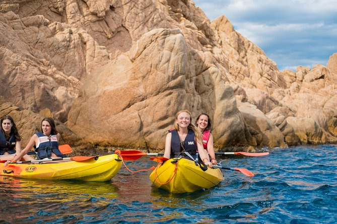 Barcelona: Kayaking and Snorkeling tour to Costa Brava