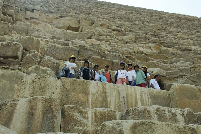 Giza pyramids and Egyptian museum Stopover tour