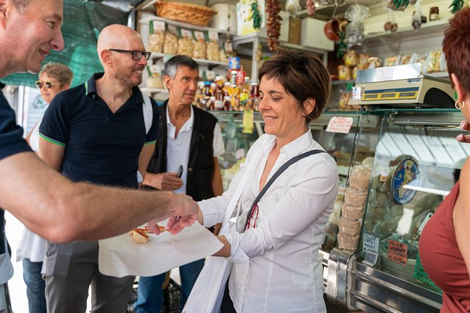 Small-group Street food tour in Civitavecchia