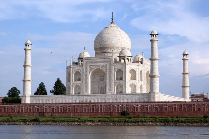 Same Day Agra Tour With Taj Mahal from Bangalore By Return Flights