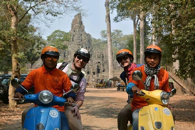 The Amazing Angkor wat Sunrise Tour by Vespa