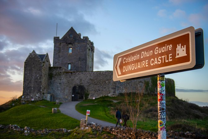 Skip the Line: Dunguaire Castle Admission Ticket