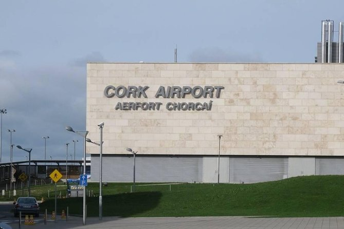 Private Luxury Transfer between Cork Airport and Killarney