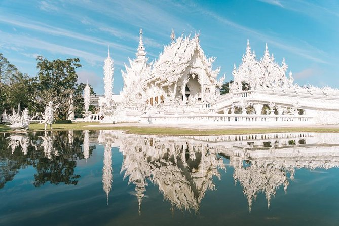 Chiang Rai day trip White Temple Golden Triangle opium house and Mae Khong River