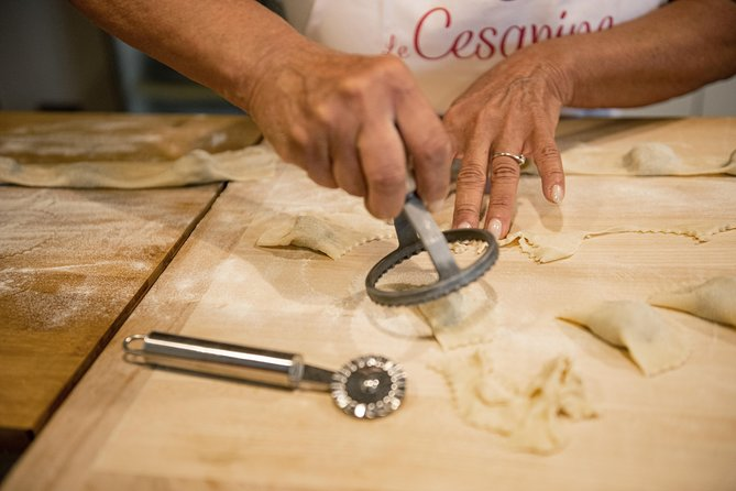 Private Pasta & Tiramisu Class at a Cesarina's home with tasting in Arezzo