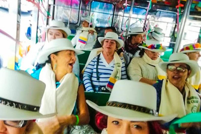 """Tradicion Paisa"": Silleteros and Santa Elena tour from Medellin"