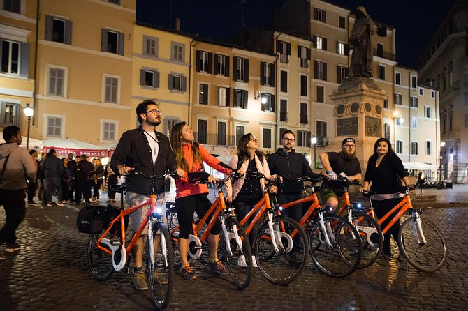 Rome by night private tour: pizza and bike