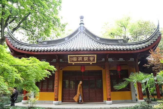 The most beautiful temple in China--Yongfu Temple tour with vegetarian lunch