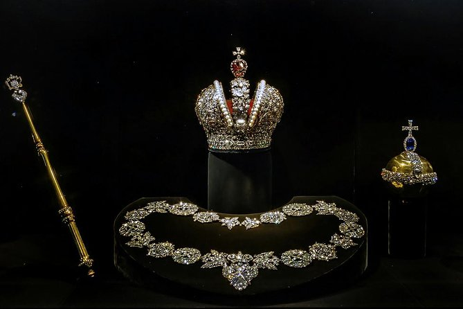 Explore Kremlin & Collection of Russian Jewelers at Diamond Fund on Private Tour